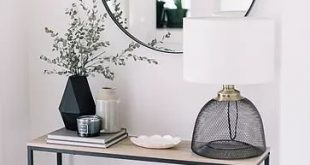 Entryway Ideas: Declutter Your Front Entry. #minimalistentryway #declutter #mini...