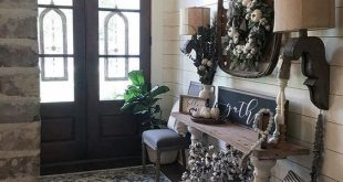 43 Best Farmhouse Entryway Design Ideas You Must Try In 2019
