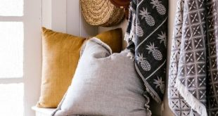 Nifty Style & Storage Ideas for Small Entryways