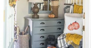 A Beautiful Fall Foyer To Welcome Guests Into Your Home