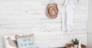 DIY Beach Cottage Mudroom - #Beach #cottage #DIY #Mudroom
